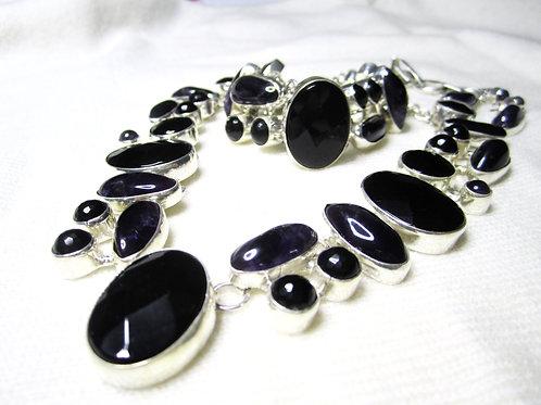 Smykkesett med svart Onyx og Ametyst
