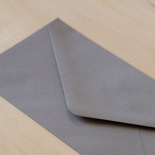 envelop taupe