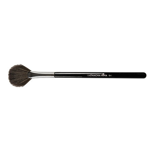 D41 Abanico Brocha (Brush)