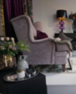 fåtölj rosa pall möbler inredning.JPG