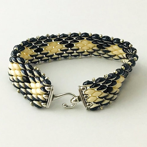 Orca Bracelet in Black and Cream SuperDuo Beads.