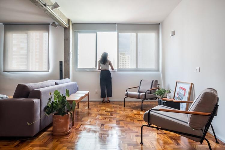 Apartamento com Mesinha Deck