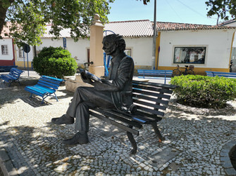 José Saramago estátua