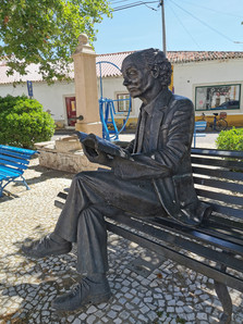 Estátua José Saramago