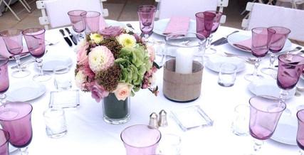 Décoration de mariage poétique et raffinée dans les coloris de rose poudré