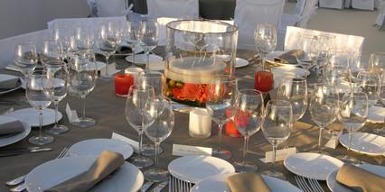 Vase Design, dahlias, bougie flottante