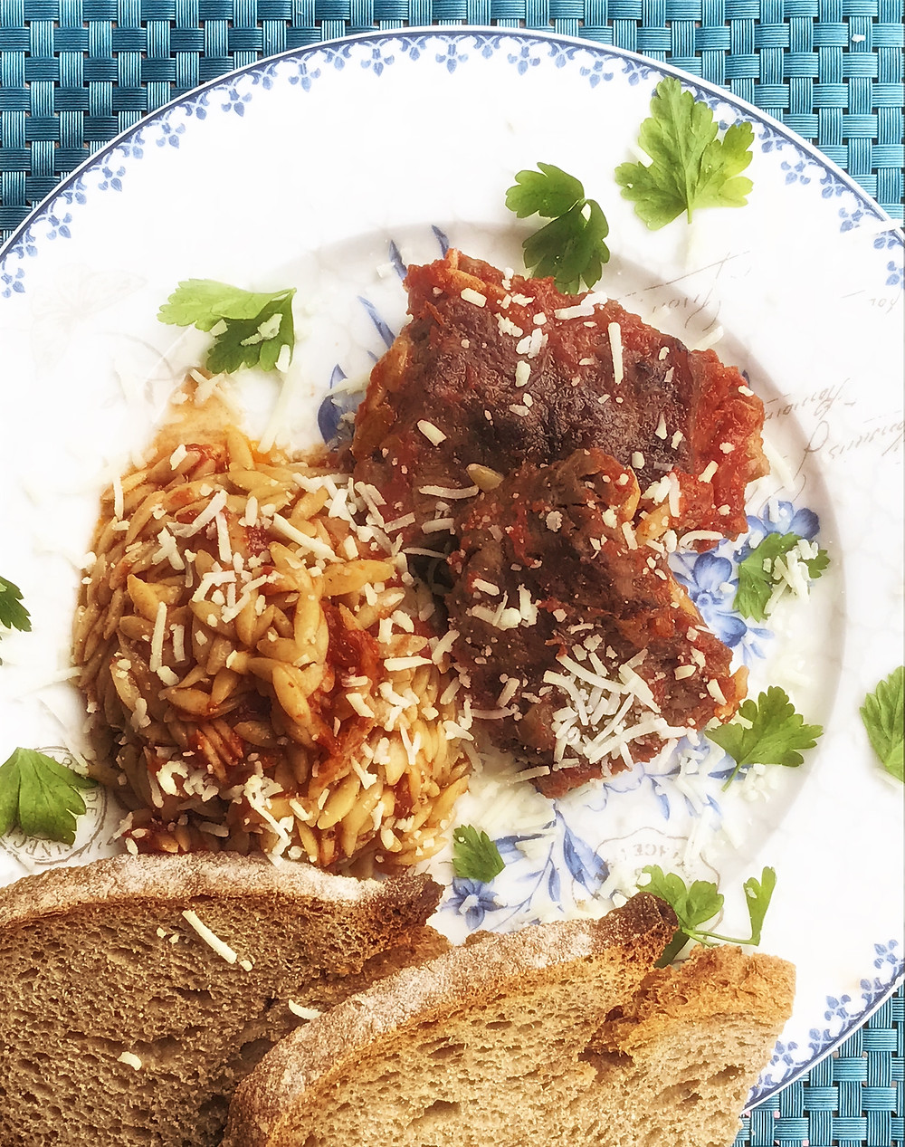 How to make oven baked beef and orzo casserole