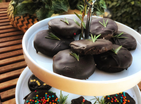 Christmas Treat: Chocolate cookies with Rosemary