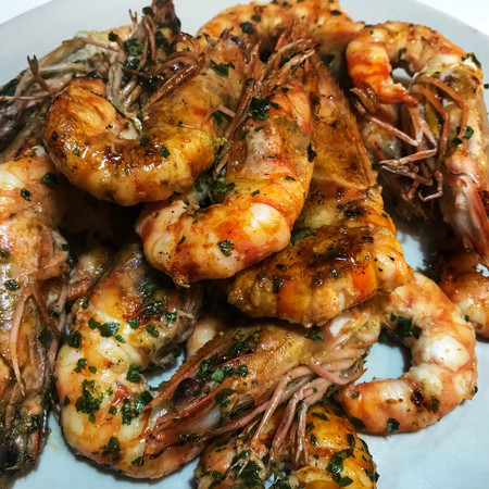 Pan seared Shrimps with lemon and parsley