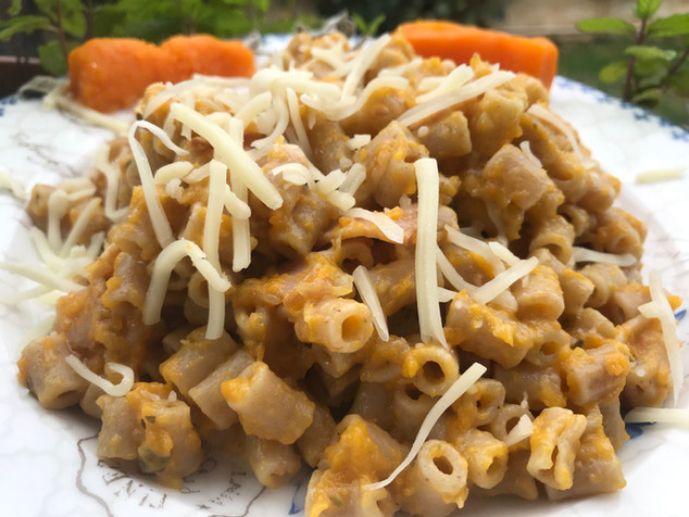 Wholegrain Pasta with Pumpkin Purée and Bacon