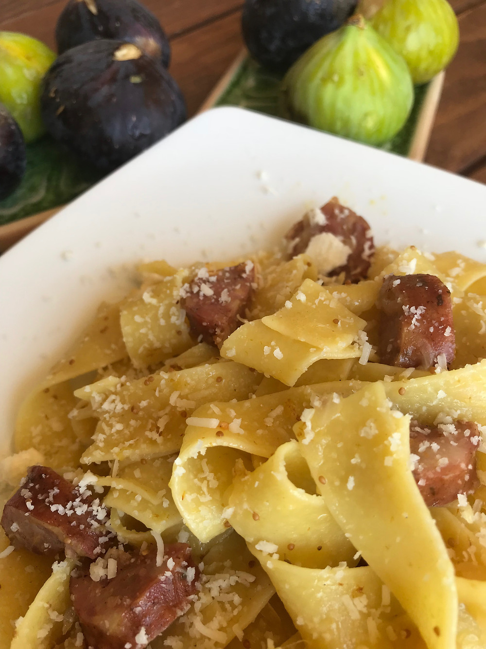 Fresh fig sauce with pasta
