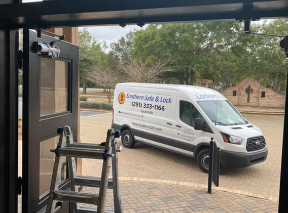 Southern Safe & Lock Commercial Safe Repair and Installation