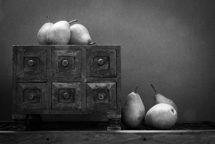 Pears and a box