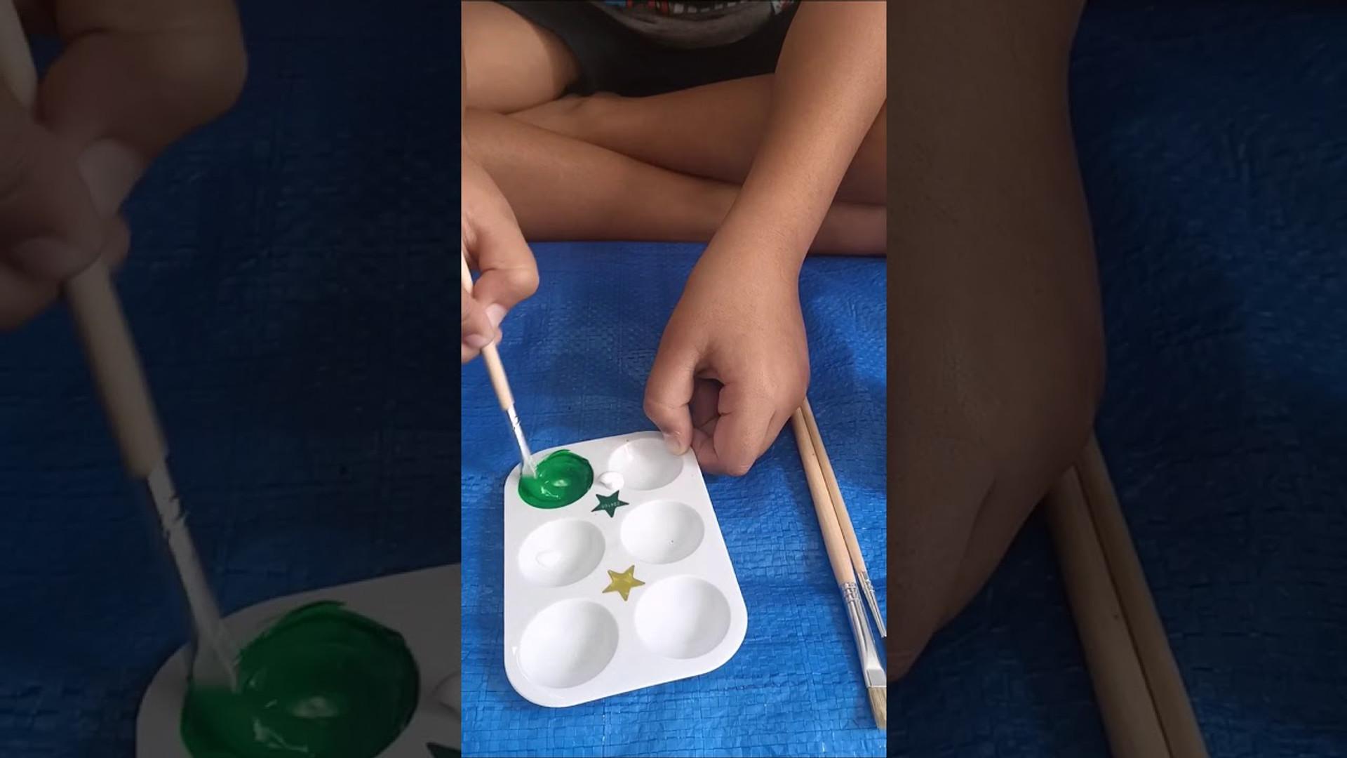 Kids making color