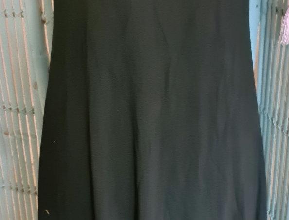À porter en robe ou en fond de très extensible