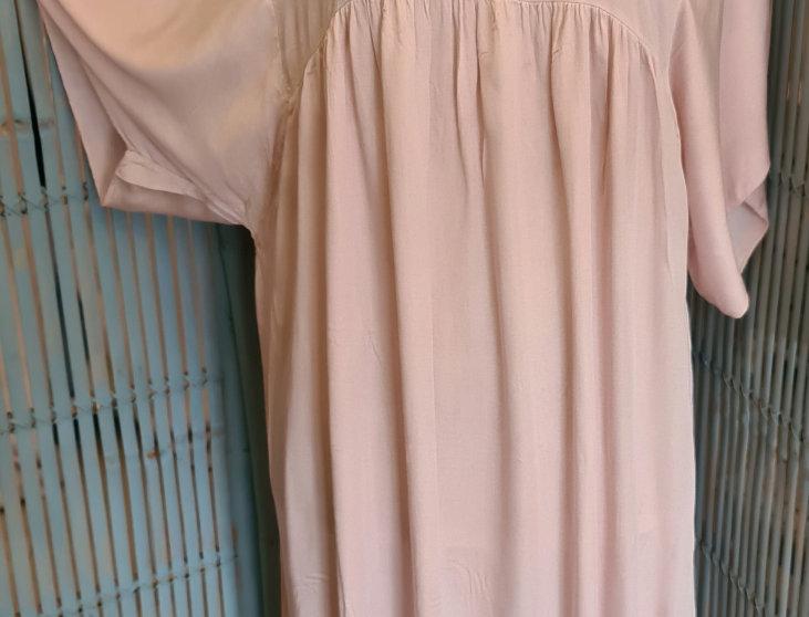 Longue robe avec dentelles
