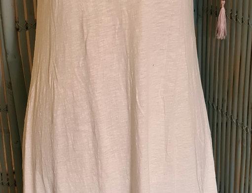 À porter en robe ou en fond de robe très extensible