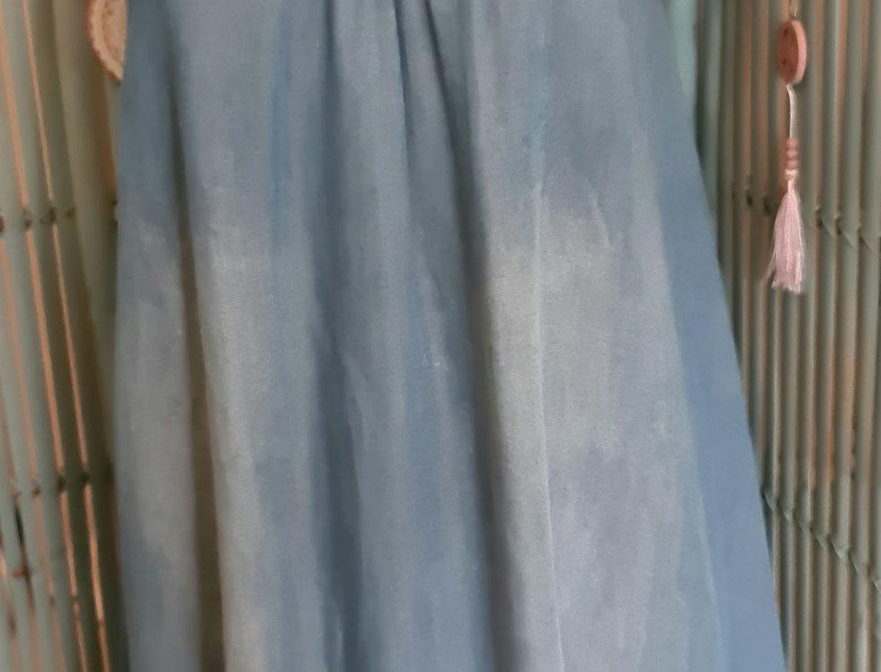 Petite robe à fines bretelles