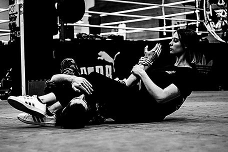 Krav-Maga-Training-web-30_edited.jpg