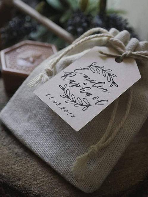 Cadeaux invités - Petites pochettes + étiquette personnalisée - min 15