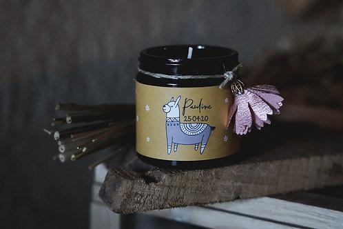 Cadeaux invités : Petite bougie + pompon rose - Commande minimum 30 bougies