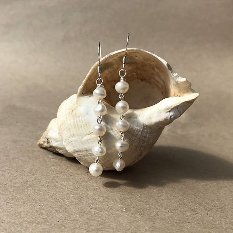 Freshwater swing earrings .jpg