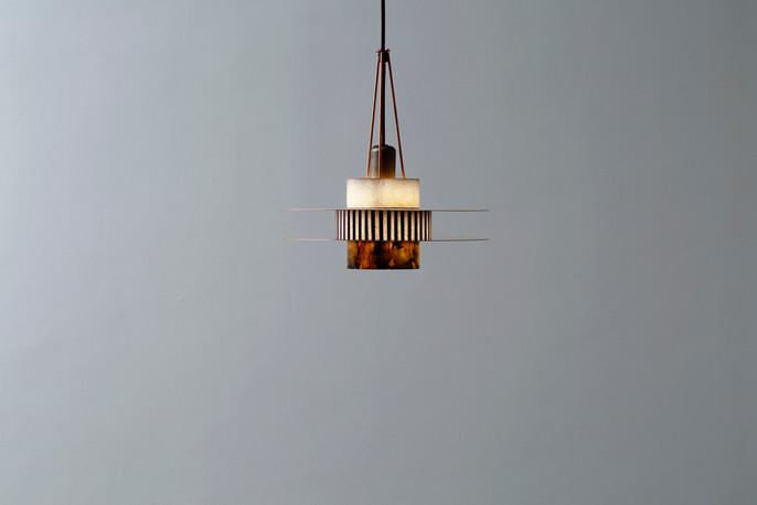 Lámpara estilo Memphis