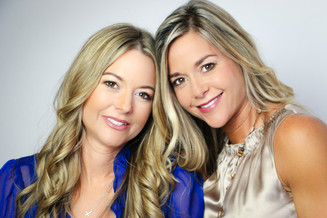 Identical Twin Interior Designers Become Editors of SA Monthly Magazine!
