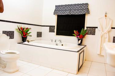 PS1_Bathroom_DSC_6077.jpg