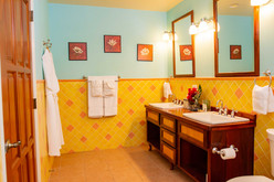 PSQuad_Bathroom_DSC_5962.jpg