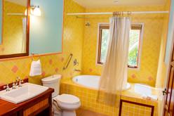 PSQuad_Bathroom_DSC_5959.jpg