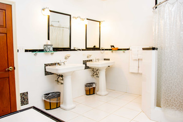 Premium Suite_Bathroom.jpg