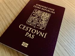 Propadá vám v blízké době pas?