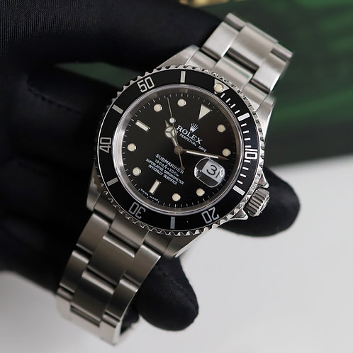 Gents Stainless Steel Rolex Oyster Perpetual Submariner Date 16610 D Serial