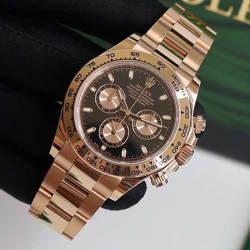 Everose Gold Black Dial Rolex Cosmograph Daytona Complete with Box & Papers 2018