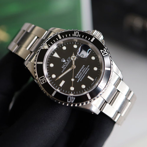 Gents Stainless Steel Rolex Oyster Perpetual Submariner Date 16610 Y Serial