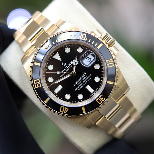 Final Production Gents 18ct Yellow Gold Rolex Submariner 40mm 116618LN New Card