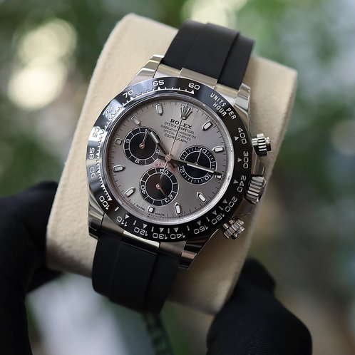 Unworn Gents 18ct White Gold Oysterflex Daytona Complete With Box & Papers