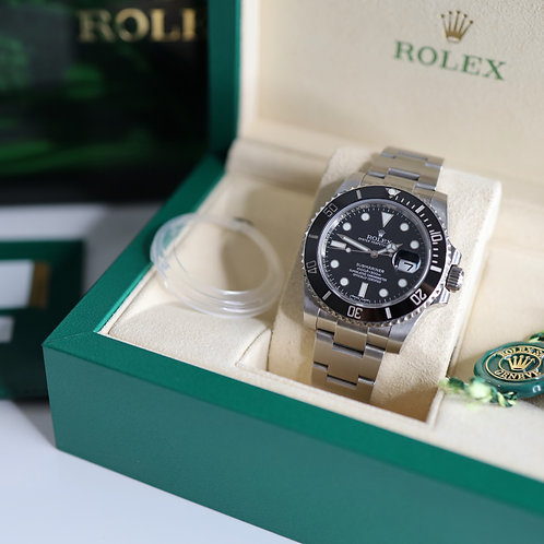 Gents Stainless Steel Rolex Submariner 116610LN Complete With Box &a Papers