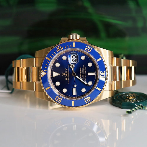 Unworn 18ct Yellow Gold Rolex Oyster Perpetual Submariner Date Blue Kit 116618LB