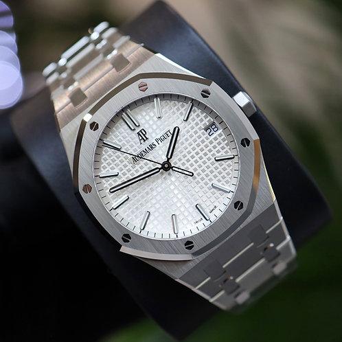 Unworn 2021  Audemars Piguet Royal Oak 15500ST Stainless Steel White/Silver Dial