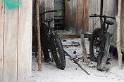 Fahrräder als beliebtes Fortbewegungsmittel rund ums Camp.