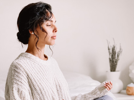 Un momento para respirar: Cómo y Por Qué Incorporar la Meditación a tu Vida Ajetreada