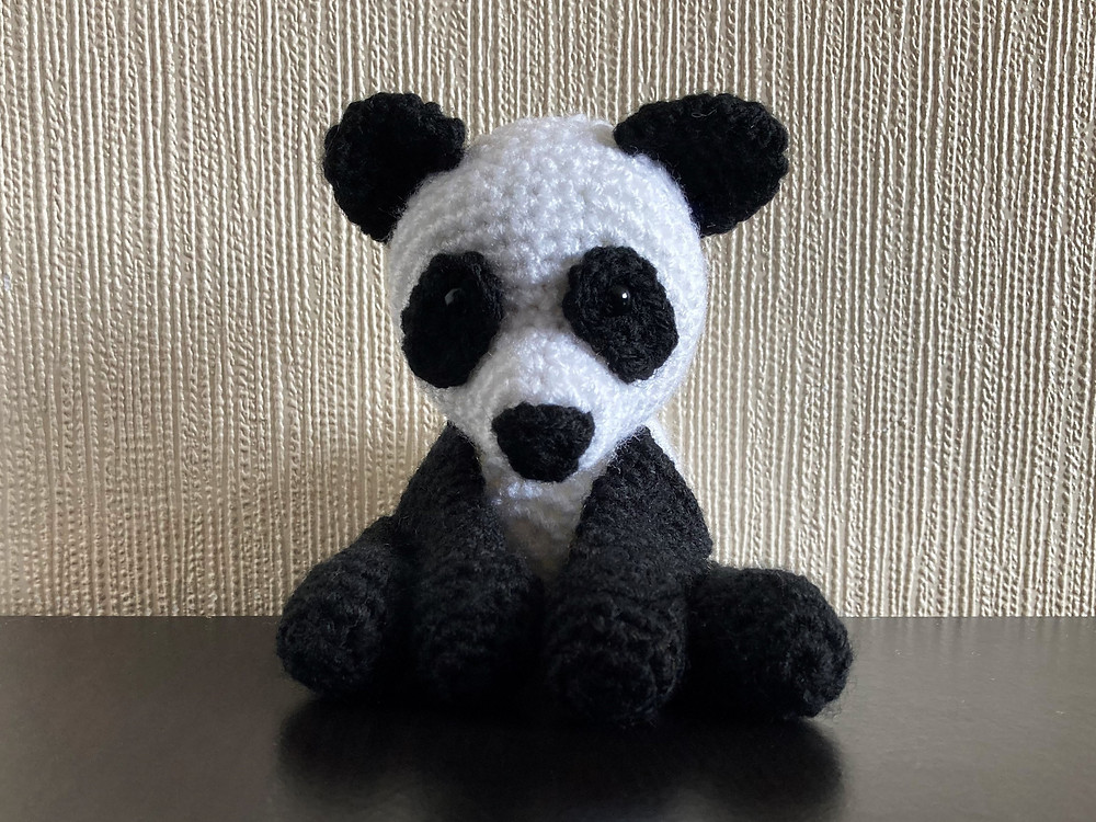 Boo the Panda amigurumi pattern by Hello Yellow Yarn | Horgolt ... | 750x1000