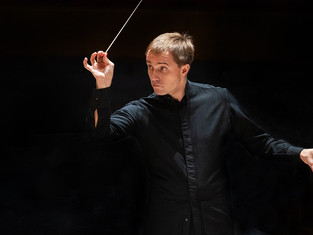 Review: Vasily Petrenko and RLPO play Beethoven ****