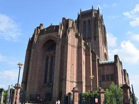 Summer Arts Market at Liverpool Cathedral