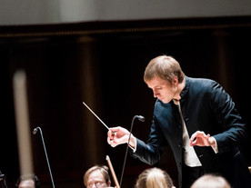 Review: Petrenko's Mahler I at Philharmonic Hall *****