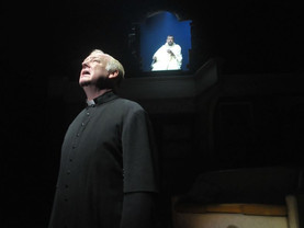 Les Dennis brings World Cup fever to the Royal Court