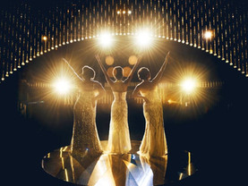 Dreamgirls celebrate Christmas at the Liverpool Empire