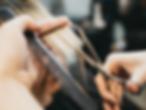 tagliare-i-capelli-830x625.webp